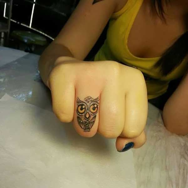 finger tattoo 14