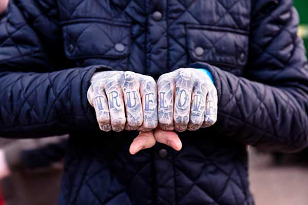 finger tattoo 5