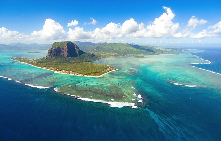 Aerial Illusion of an Underwater Waterfall 2