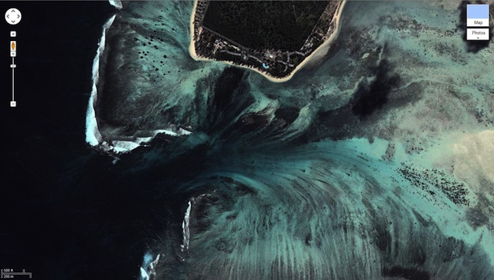 Aerial Illusion of an Underwater Waterfall 6