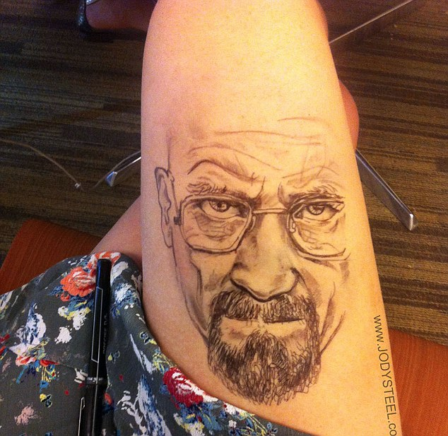 Talented self-taught illustrator doodles amazingly detailed pictures on her thighs, Boston, America - 17 Sep 2013