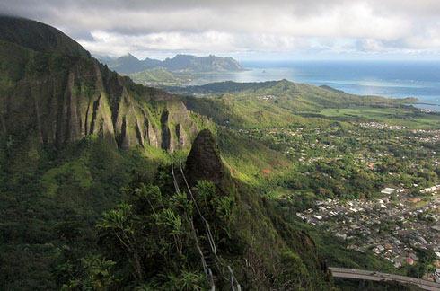 Haiku-Stairs-of-Oahu-in-Hawaii-3