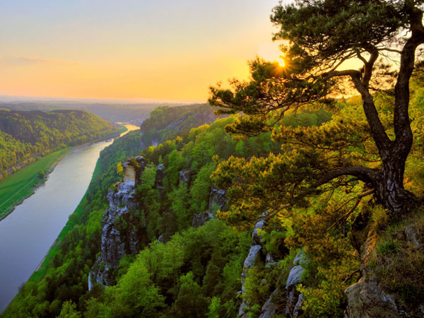 Saxon-Switzerland-ElbeRiver