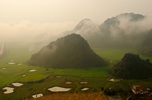 The-Hang-Son-Doong-cave-in-Quang-Binh-Province,-Vietnam-3