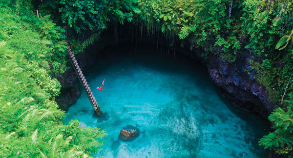 To-Sua-Ocean-Trench-in-the-Lotofaga-village-on-the-south-coast-of-Upolu