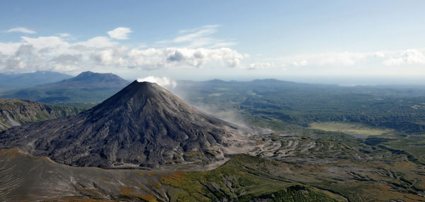 Volcanoes-of-Kamchatka-1