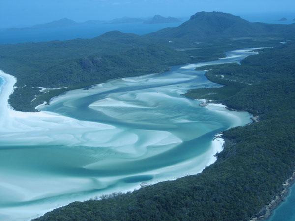 Whitehaven-Beach-at-Whitsunday-Island-1