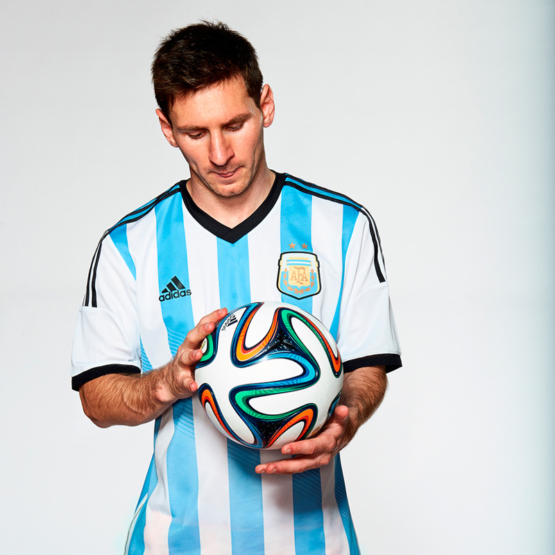 2014-FIFA-World-Cup-Match-Ball-6