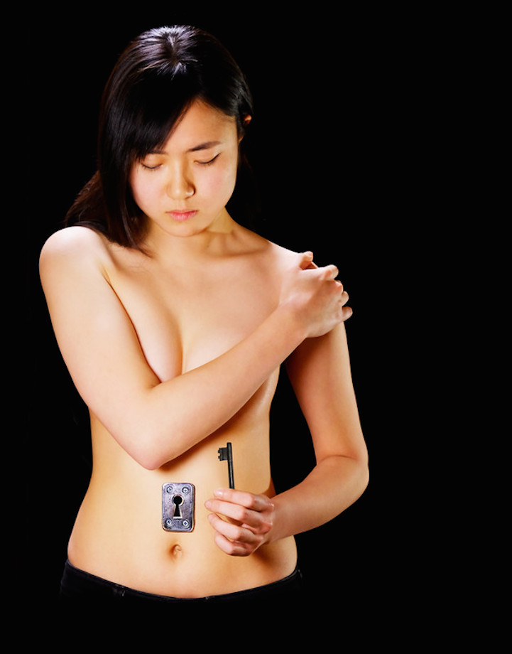 Hyperrealistic Body Paintings by Hikaru Cho 4