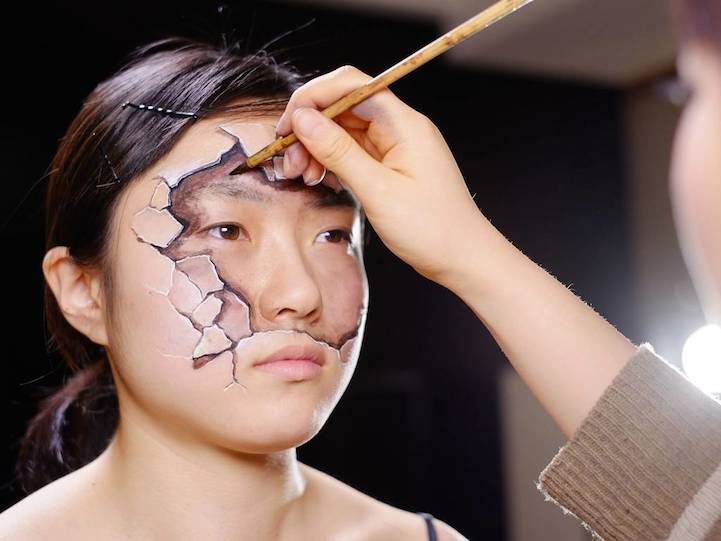 Hyperrealistic Body Paintings by Hikaru Cho 9