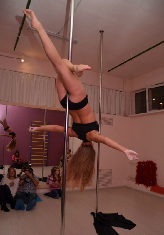 Girls On Poles 1
