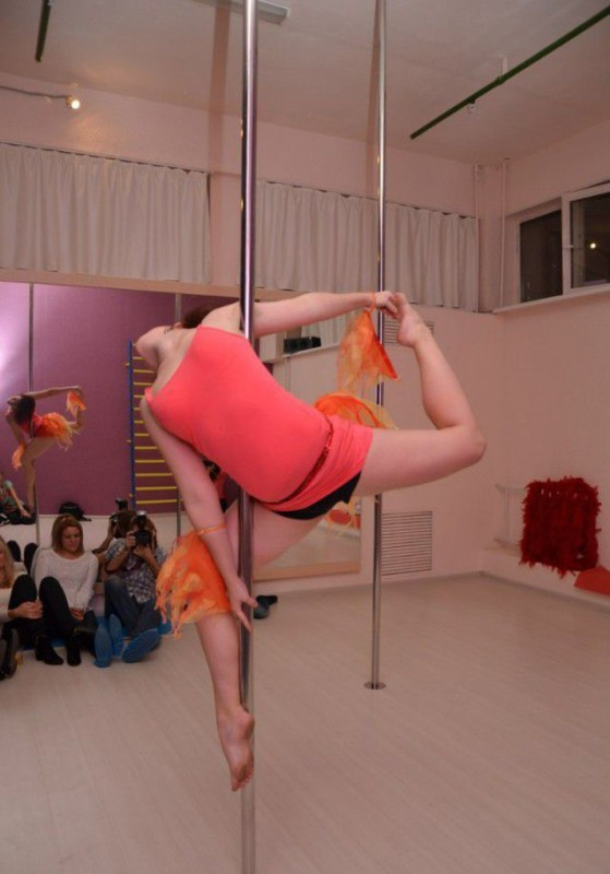 Girls On Poles 19