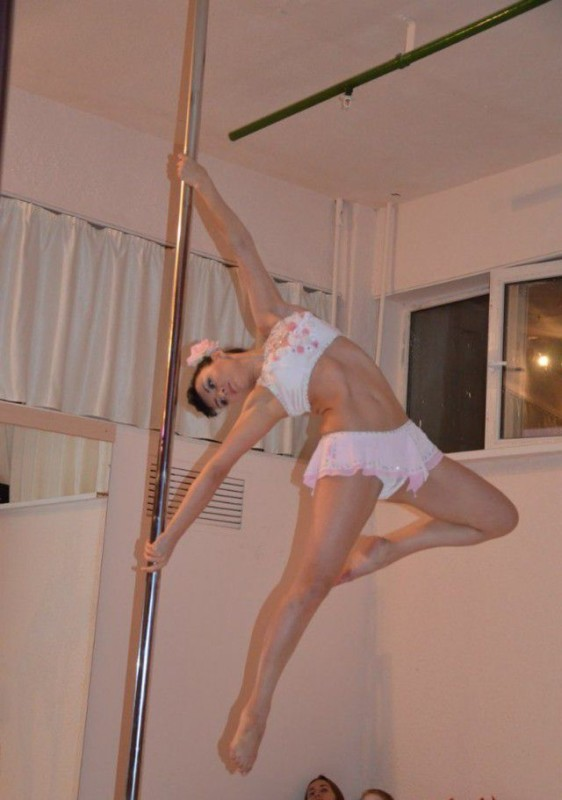 Girls On Poles 23