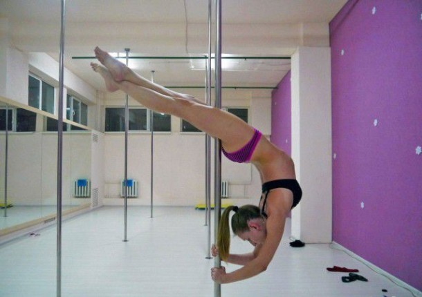 Girls On Poles 5