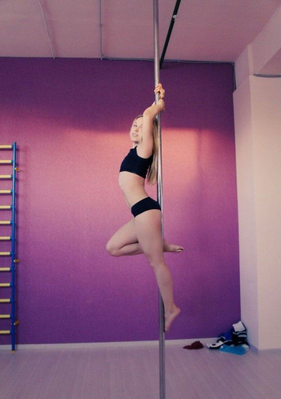 Girls On Poles 8