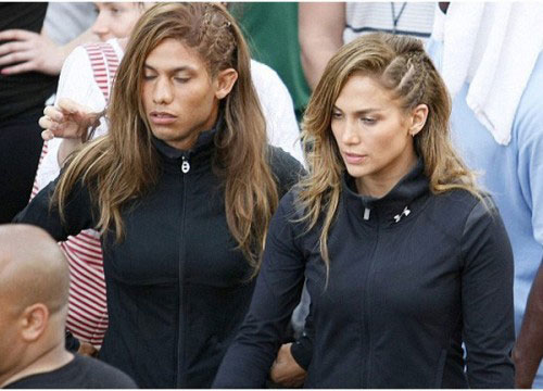 Jennifer Lopez on the set of her music video. She has a male double.