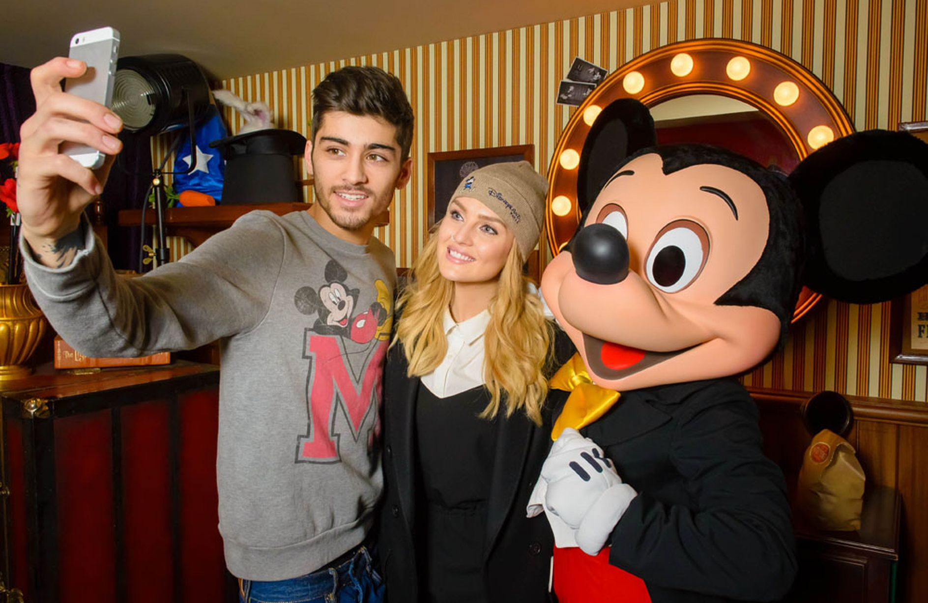 Perrie-Edwards-and-Zayn-Malik-at-Disneyland-Paris