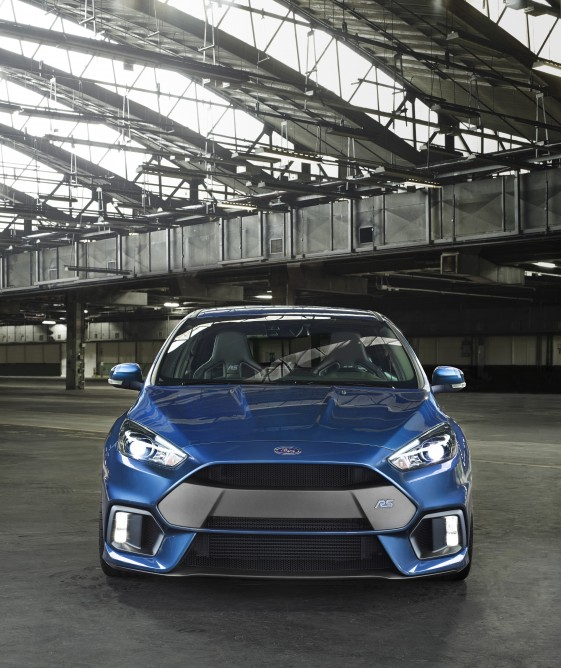 ford-focus-rs-hatch-2