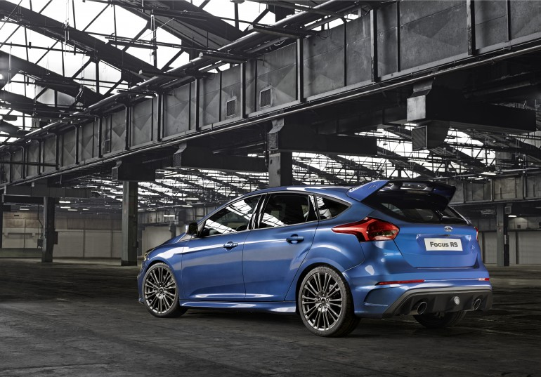ford-focus-rs-hatch-4