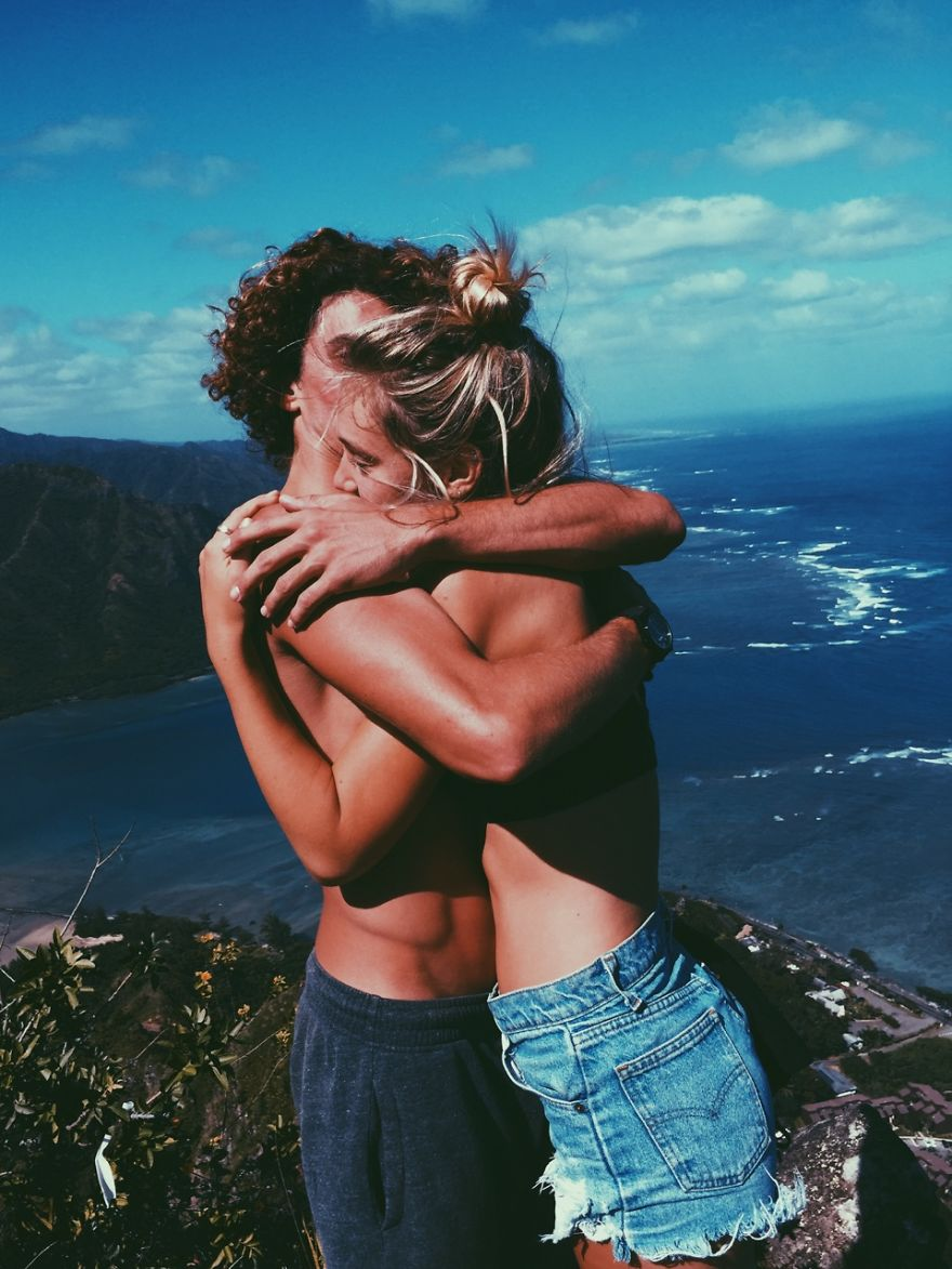 photographer-model-surfer-couple-travels-world-jay-alvarrez-alexis-ren-12