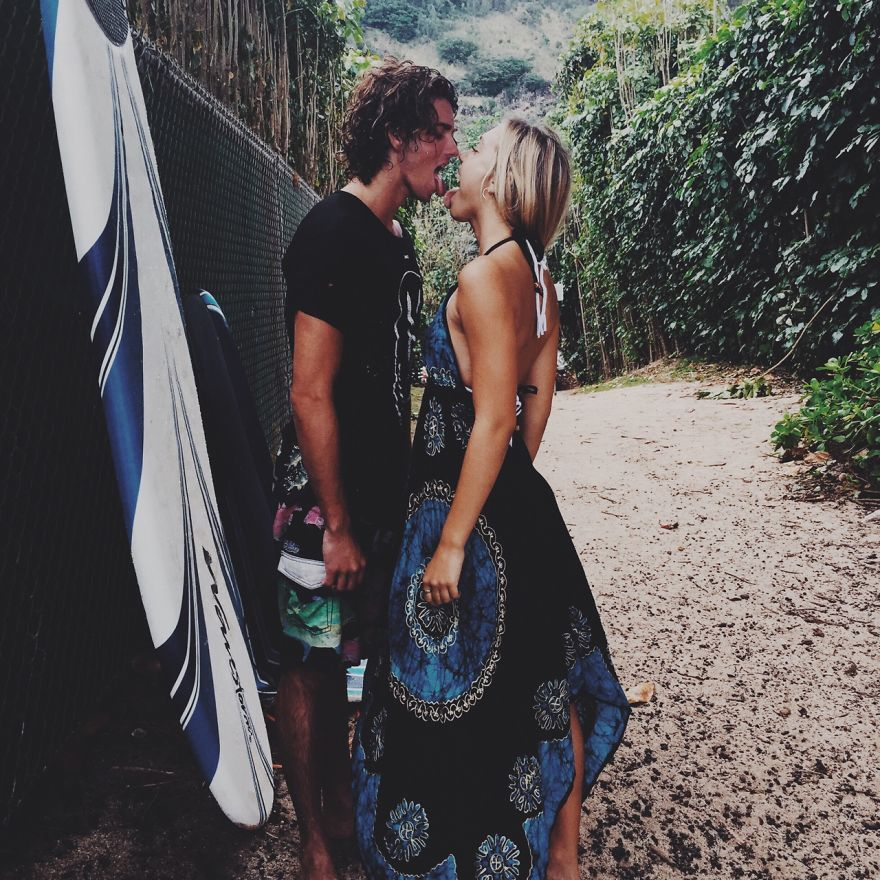 photographer-model-surfer-couple-travels-world-jay-alvarrez-alexis-ren-19