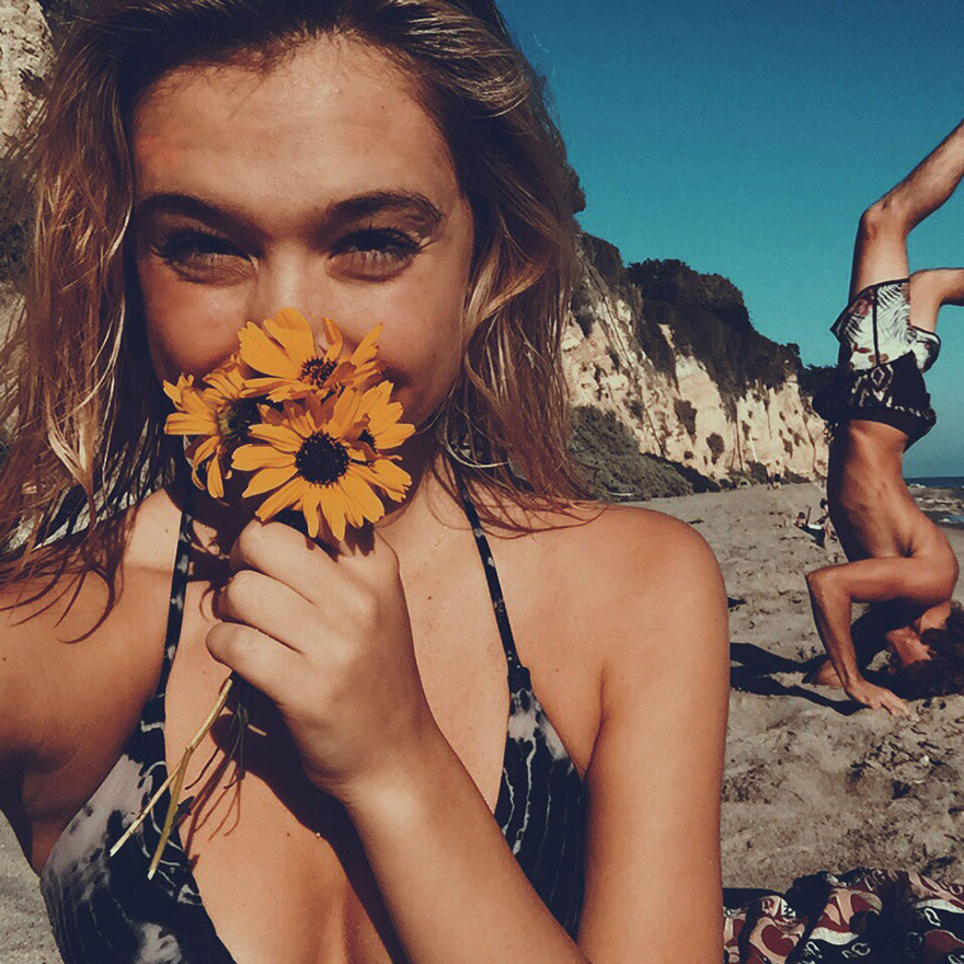 photographer-model-surfer-couple-travels-world-jay-alvarrez-alexis-ren-24