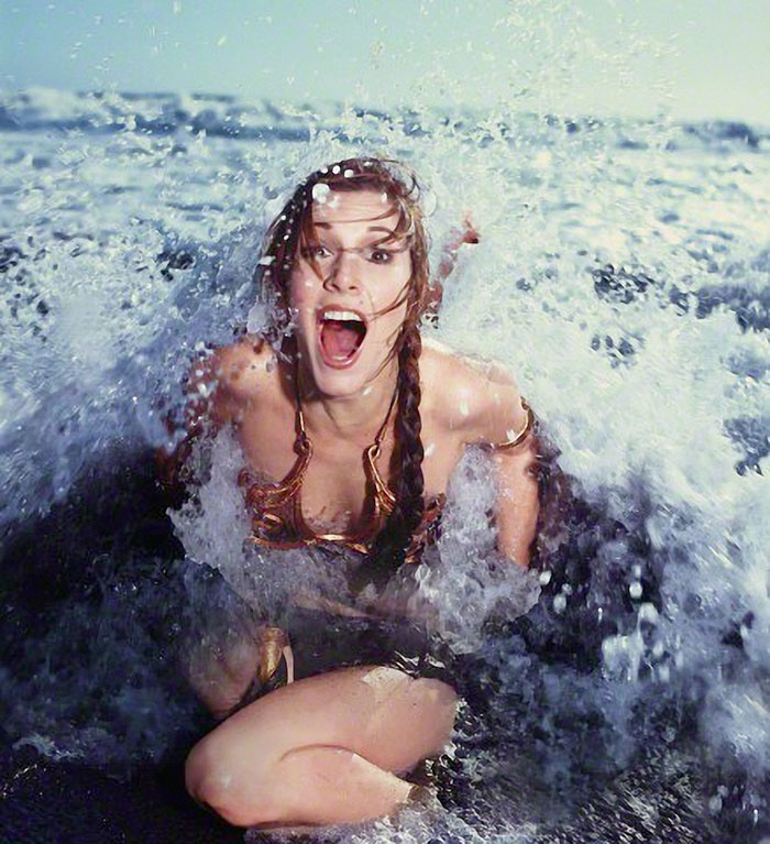 princess-leia-bikini-return-jedi-beach-shoot-1983-carrie-fisher-12