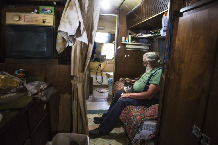 fter enjoying a successful commercial photography career and raising a family, photographer Barbara Peacock is embarking on an incredible journey into the bedrooms of average Americans. With American Bedroom, she is taking an intimate—and anthropological—look at the most personal of spaces, asking friends, family, and strangers to open themselves up to her candid photographs.