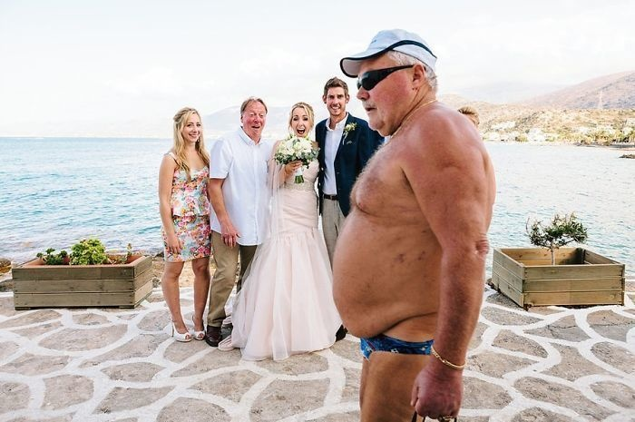 50 Best Wedding Photobombs