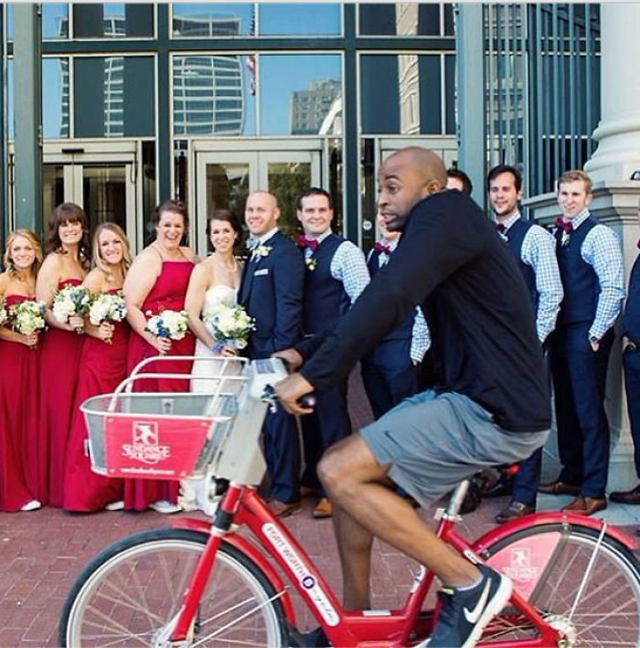 Best Wedding Photobombs22