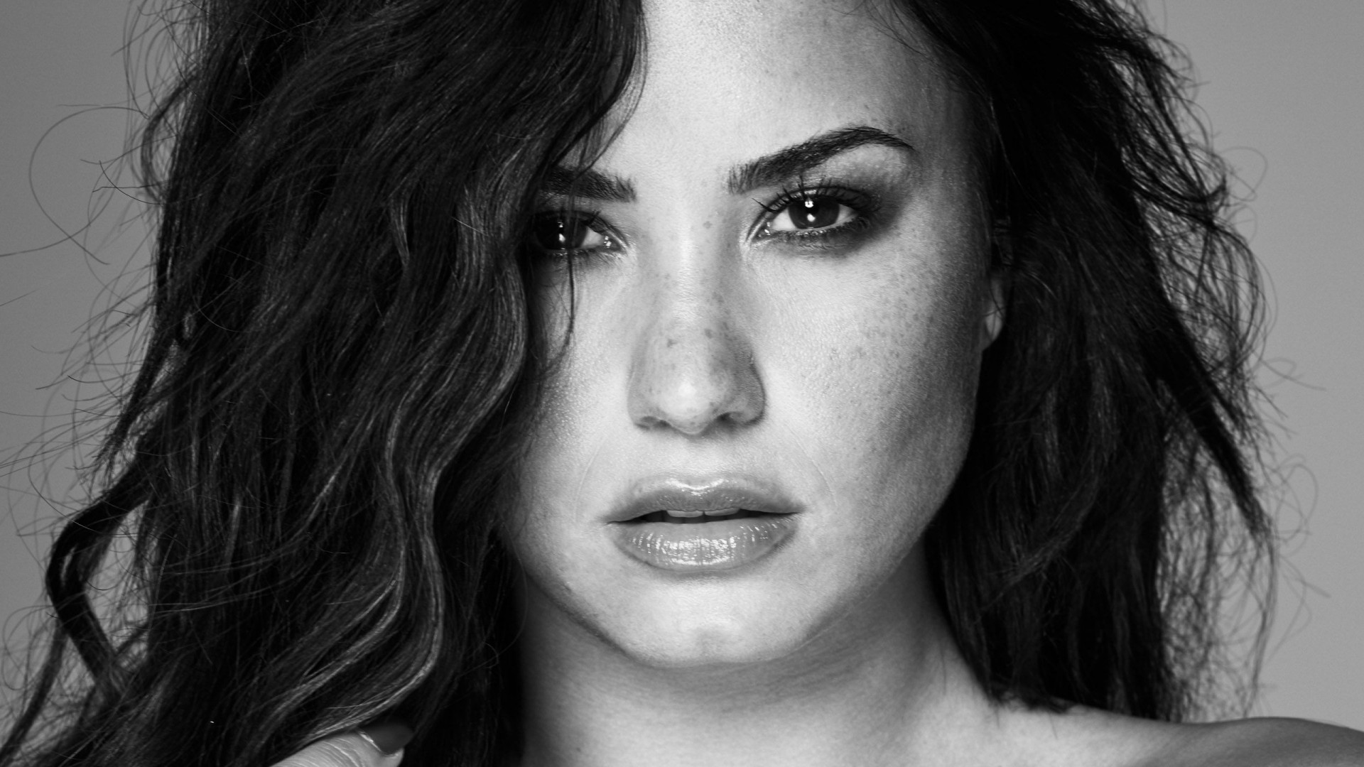 Demi Lovato black and white photo hd wallpaper 1920x1080
