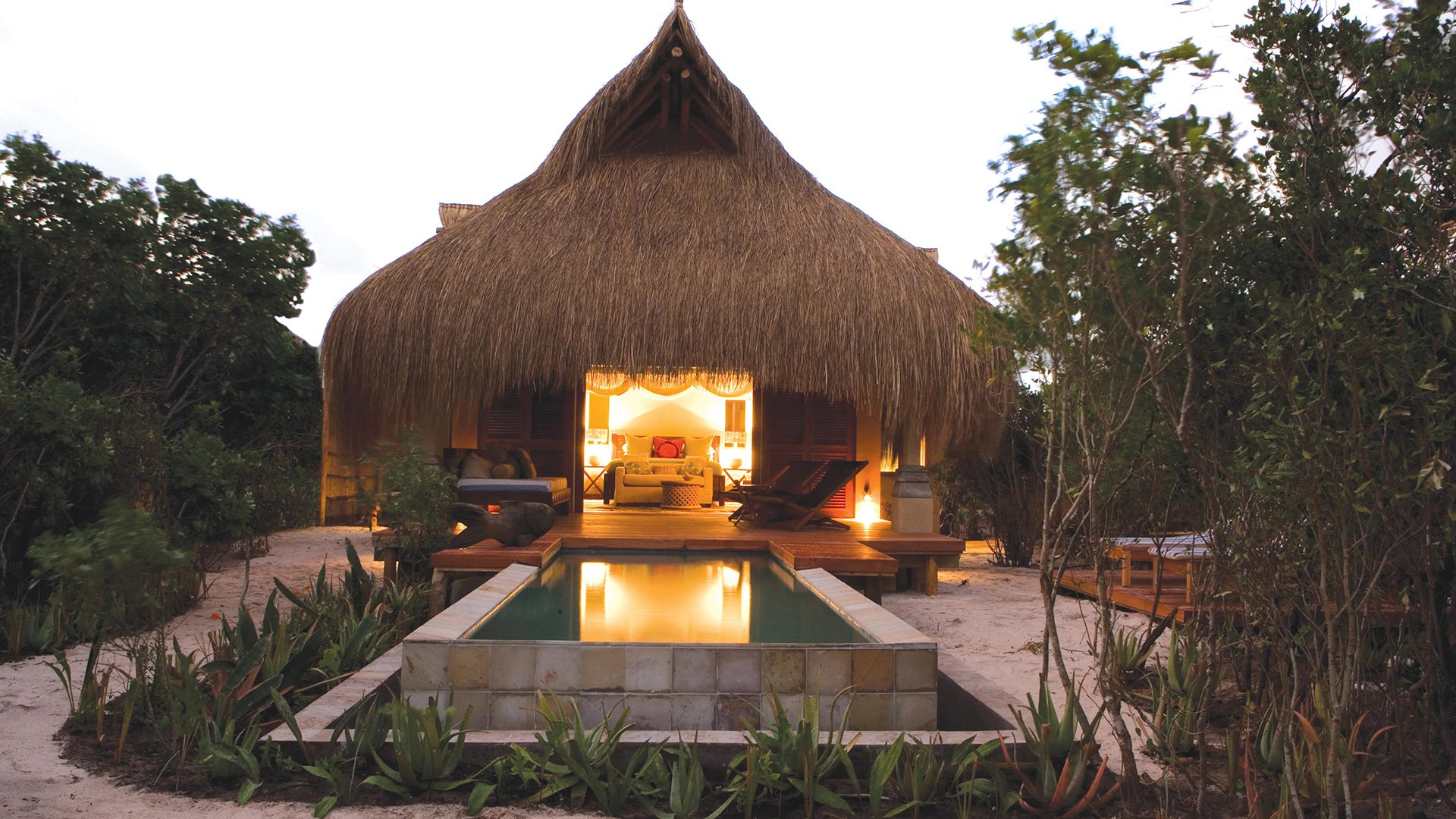 Azura Hotel Luxury Thatched Villas on the Sunny Shores of Benguerra Island